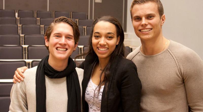 Spente deltagere etter førpremieren. Foto: Ruben S. Pedersen