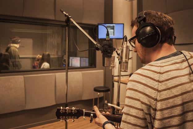 Tom Griffin i studio 1. Foto: Winnefride Gwalla